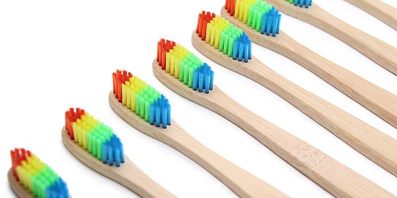 10 отличных зубных щеток из AliExpress