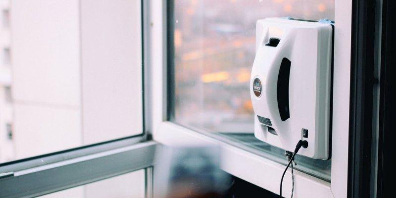 5 стоящих роботов-мойщиков окон с AliExpress