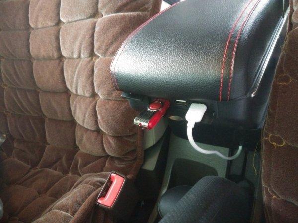 Подлокотник для Renault Logan с USB
