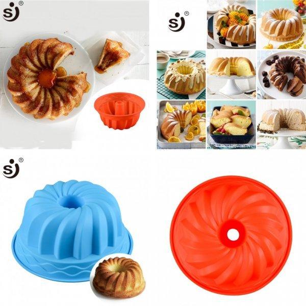 Отличная форма для выпечки пышного кекса (силикон, 210 гр, 24*10.5 см)