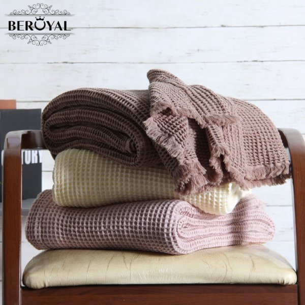 Однотонный плед с кистями Beroyal (3 цвета)