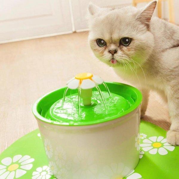 Питьевой фонтанчик для кошек VKTECH (3 цвета)
