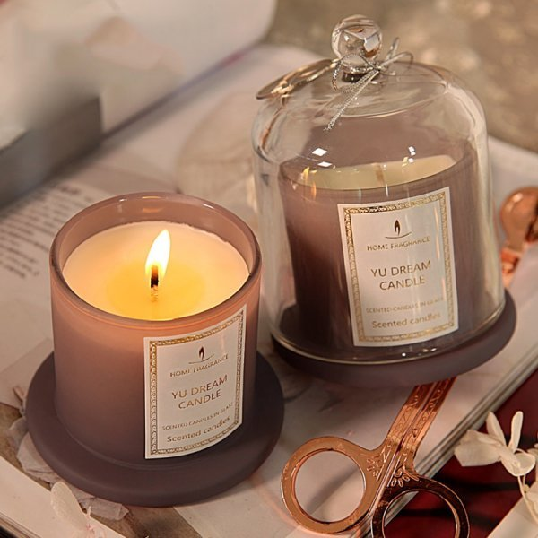 Шикарная свеча в стекле (8 цветов)